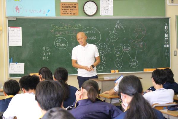 市川市立東国分中学校で「夢の教室」を開催しました | 市川市公式Webサイト